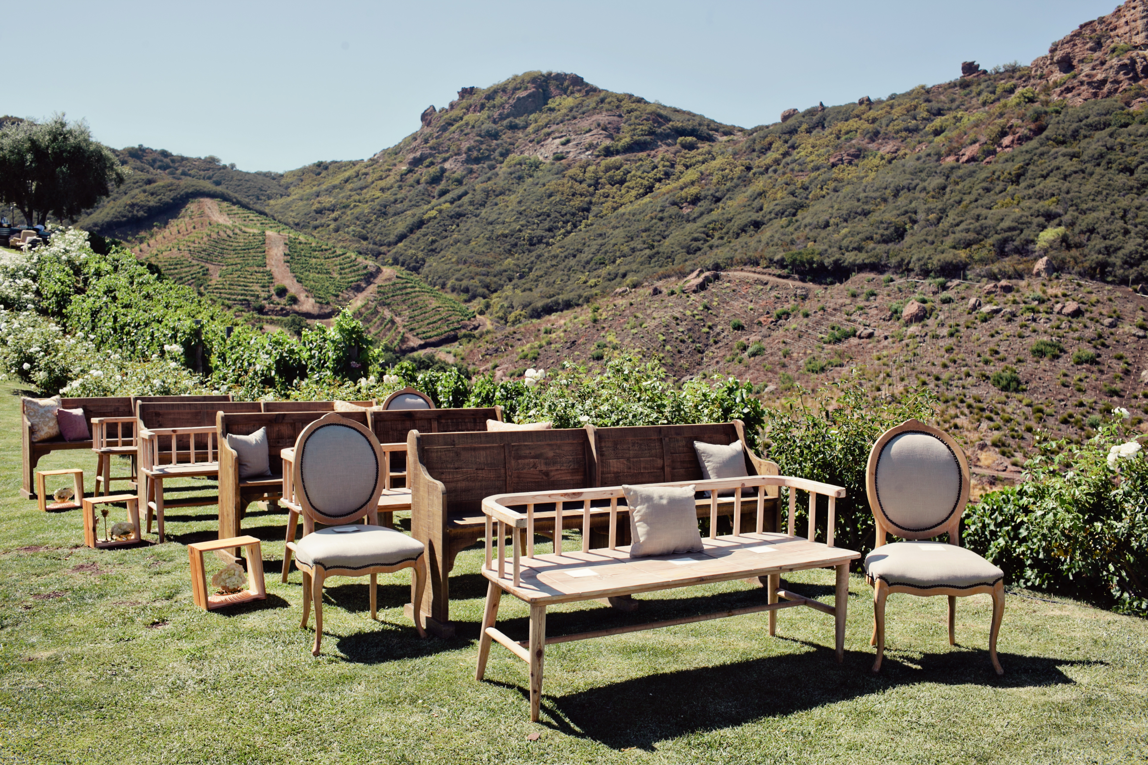 Unique Ceremony Seating Ideas For Outdoor Weddings: Real Wedding: Denise + Giampiero At Saddlerock Ranch